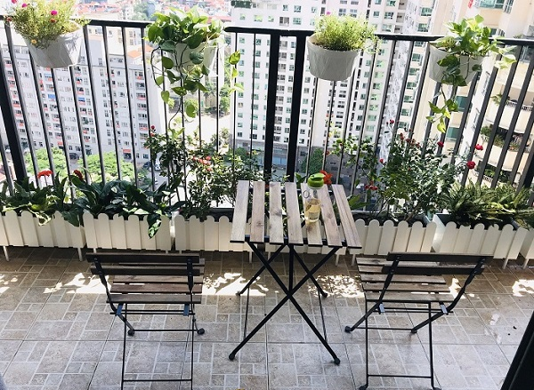 trang trí ban công chung cư đơn giản