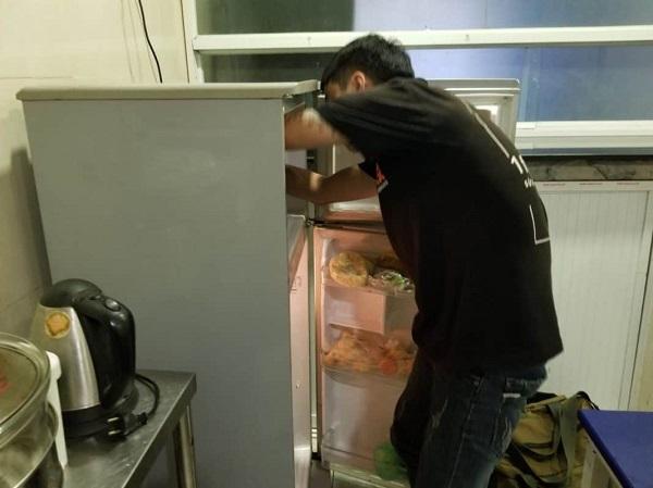 Thợ Sửa Tủ Lạnh Ba Tốt