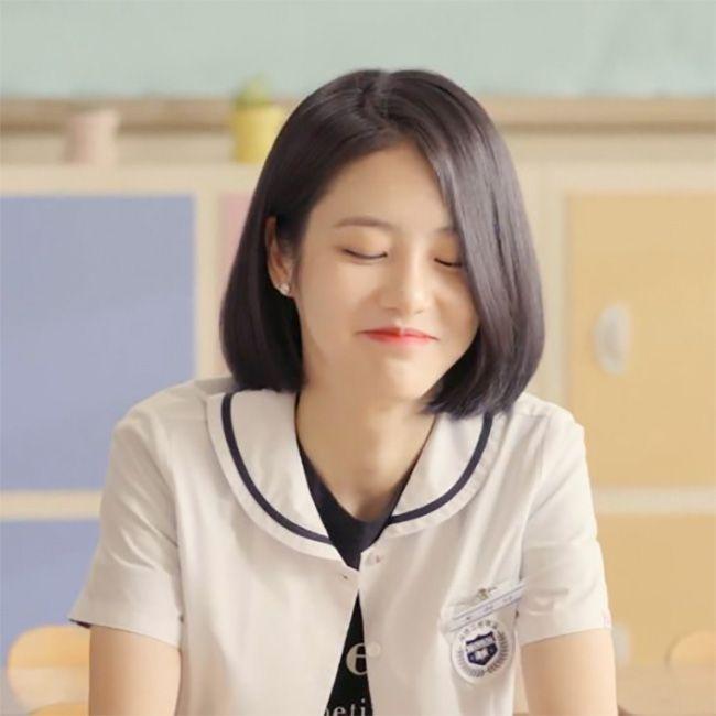 kiểu tóc uốn cụp cho học sinh