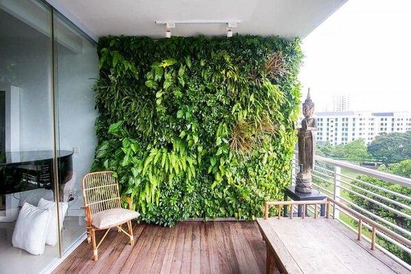 Tường cây xanh ngoài ban công